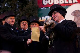 Groundhog_Day,_Punxsutawney,_2013-1
